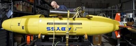 http://i.cbc.ca/1.2585020.1395713630!/fileImage/httpImage/image.jpg_gen/derivatives/original_460/si-submersible-852-jpg.jpg