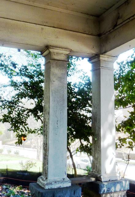 P1170757-2013-03-19--1148-North-Highland -VaHi-Teardown-before-porch-double-square-columns-ne-corner-detail-plinth