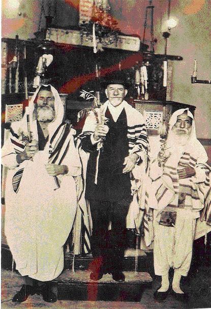 bou-saada-algeria-synagogue-jewish-simchat-torah.jpg