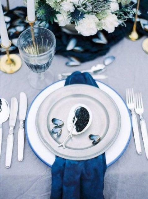 seaside-Ort-Einstellung mit einer indog Serviette und Austern
