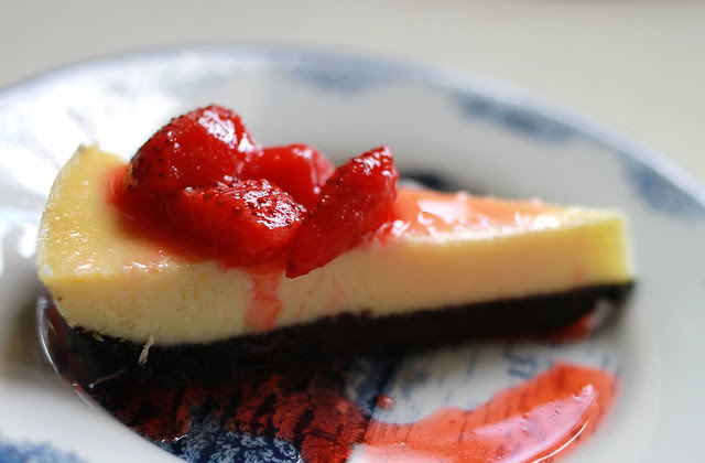 White Chocolate Cheesecake, Oreo Crust & Strawberry Compote