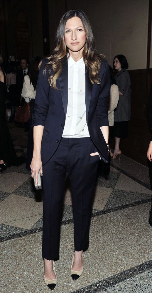 LE FASHION BLOG MODERN SUIT JENNA LYONS CAP TOE PUMPS NAVY TUX TUXEDO SUIT SATIN LAPEL CROPPED CROP PANTS EMBELLISHED BEADED BUTTON UP SHIRT CAP TOE ISABEL MARANT HEELS PUMPS EVENT BOX CLUTCH Parsons Fashion Benefit CURLS OMBRE LONG HAIR 1 photo LEFASHIONBLOGMODERNSUITJENNALYONSCAPTOEPUMPS1.png