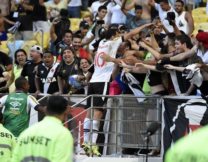 Nenê gol Vasco comemoração (Foto: André Durão)