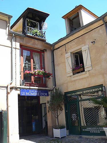 village des antiquaires 2.jpg