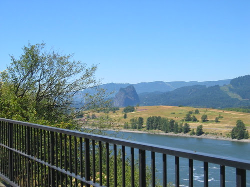 Looking at the Washington side from the bike path