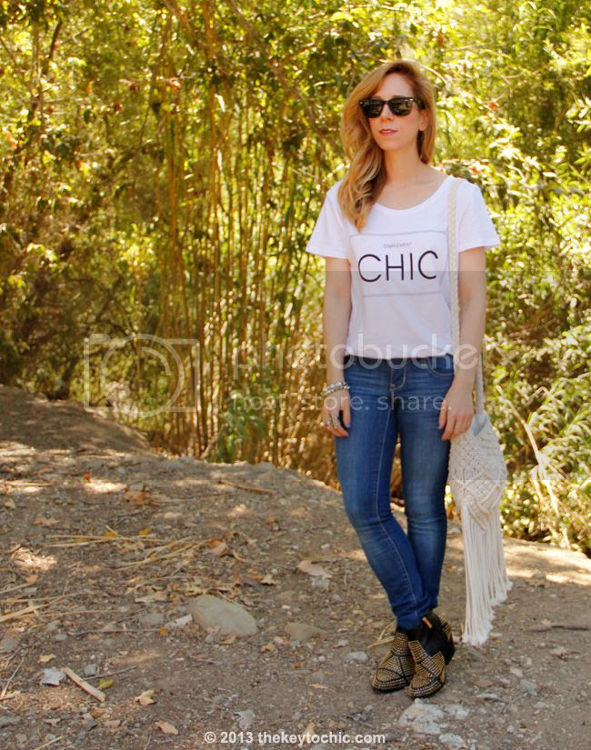 H&M simplement chic T-shirt, Old Navy Rock Star skinny jeans, Dolce Vita Rezzie boots, and Mossimo macrame fringe bag