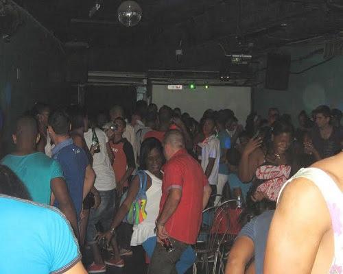 Club nocturno cubano (foto del autor)