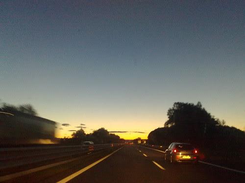 L'alba in autostrada by durishti