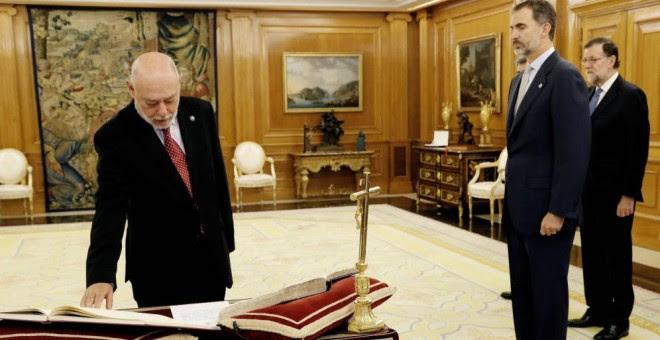 El fiscal general del Estado promete su cargo ante el Rey y Mariano Rajoy (EFE)