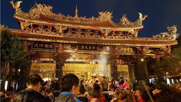 Chùa Long Sơn ở Manka, thủ đô Đài Bắc, Đài Loan