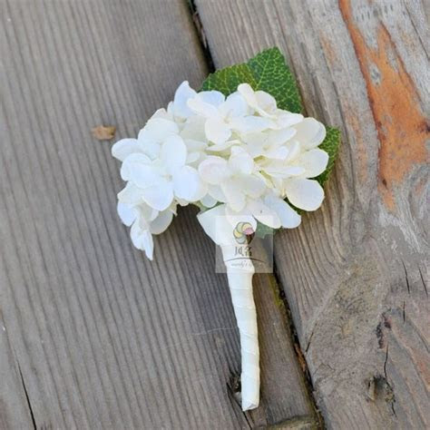 25  best Hydrangea boutonniere ideas on Pinterest   Blue