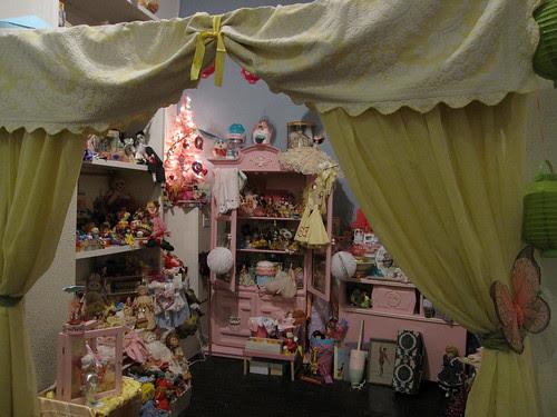 Entering Doll Land at Piddlestixs!3