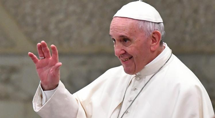 Resultado de imagem para O papa Francisco fala sobre as mulheres de sua vida em livro