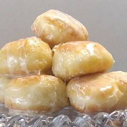 Homemade Krispy Kremes — Yes, this is the actual recipe! >> The ULTIMATE Secret Sinful Snack! I shouldn't even LOOK at these, let along pin them. But who could resist? Enjoy! ~ℛ