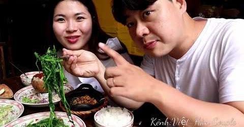 Trai Hàn mê mẫn với món cơm quê Việt Nam dân dã
