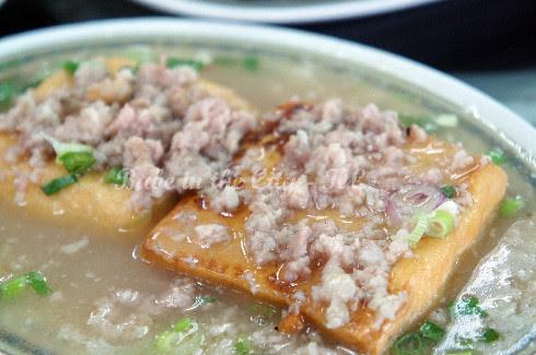 Tofu in minced meat sauce