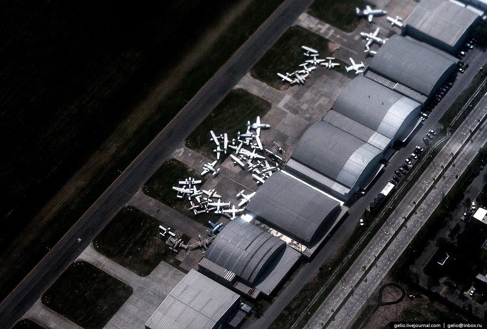 Самолёты в аэропорту Буэнос-Айреса — страшный сон перфекциониста.