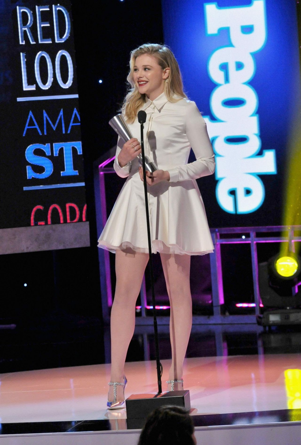 http://celebmafia.com/wp-content/uploads/2014/12/chloe-moretz-2014-people-magazine-awards-in-beverly-hills_12.jpg