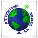 logo_attention_a_la_terre_arbre_plante_sur_planisphere