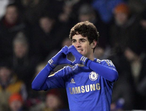 Oscar comemora gol do Chelsea sobre o Sparta Prague (Foto: Reuters)