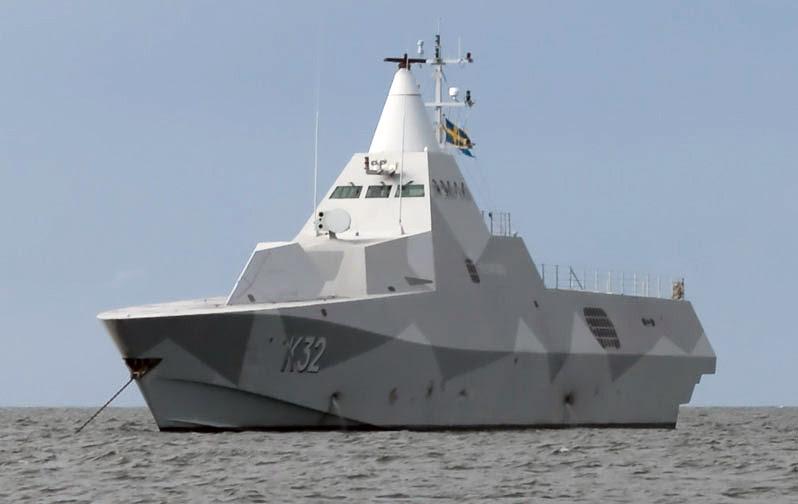 K32_HMS_Helsingborg_Anchored-of-Gotska-Sandoen_cropped
