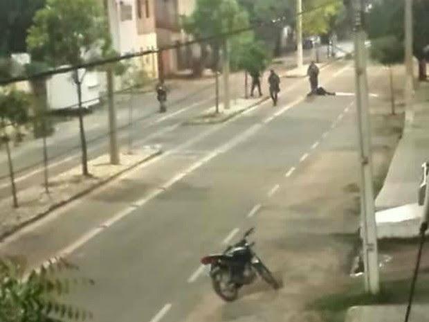 Homem morreu em troca de tiros com policiais após explosões a banco em Jaguaruana (Foto: Arquivo pessoal)