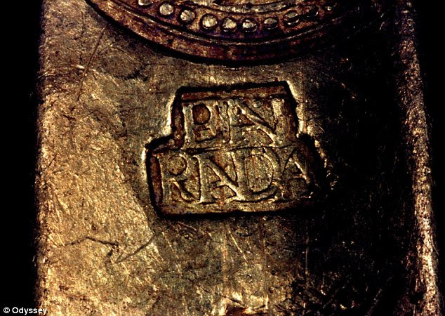 Certificate: A stamp reading 'en rada' operating as a sort of guarantee of the gold's origin