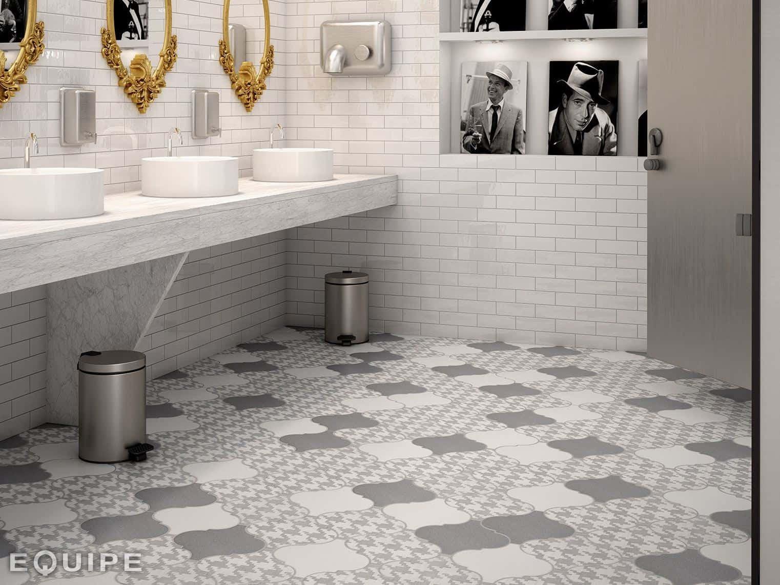 21 Arabesque Tile Ideas for Floor, Wall and Backsplash