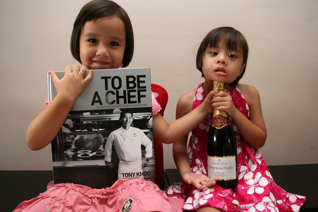 It's my blog's fifth anniversary and I am giving out cookbooks and champagne!