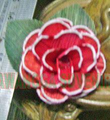 klobot bunga mawar kecil hiasan pinggir