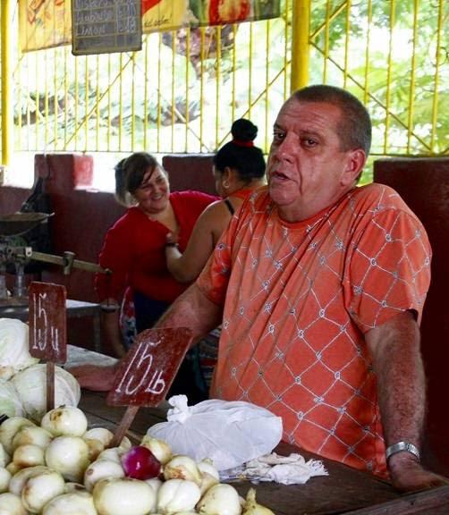 Irán González, vendedor de 19 y B. Foto: José Raúl Concepción/Cubadebate.