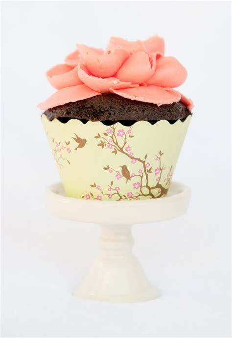 Adorable Cupcake Wrappers   Weddings By Lilly