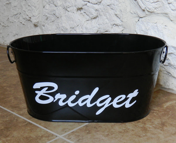 How to install and apply vinyl lettering and vinyl decals