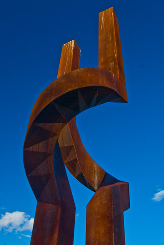 large rusty tuning fork = art