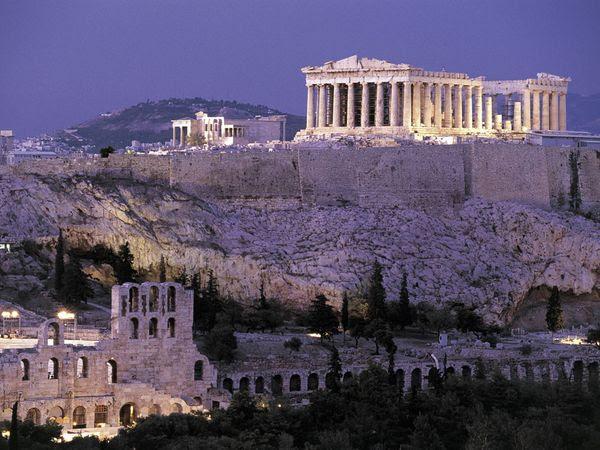 Παρθενώνας.  Χτίστηκε τον 5ο αιώνα π.Χ και αποτελεί μία από τις πιο αναγνωρίσιμες κατασκευές του κόσμου.