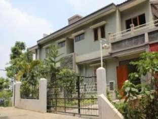 Alamat Hotel Murah Dago Guest House - Kampung Padi Bandung