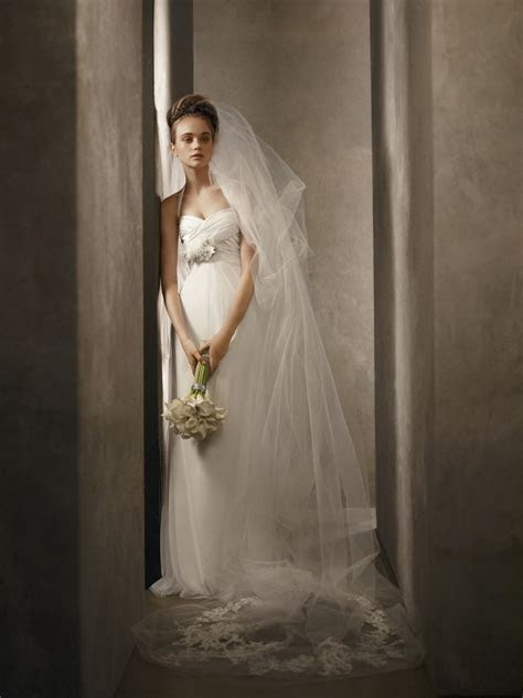 White by Vera Wang 2011 ivory wedding dress with