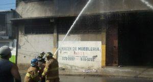 Estiman más de 200 negocios fueron afectados por incendio en mercado de La Vega