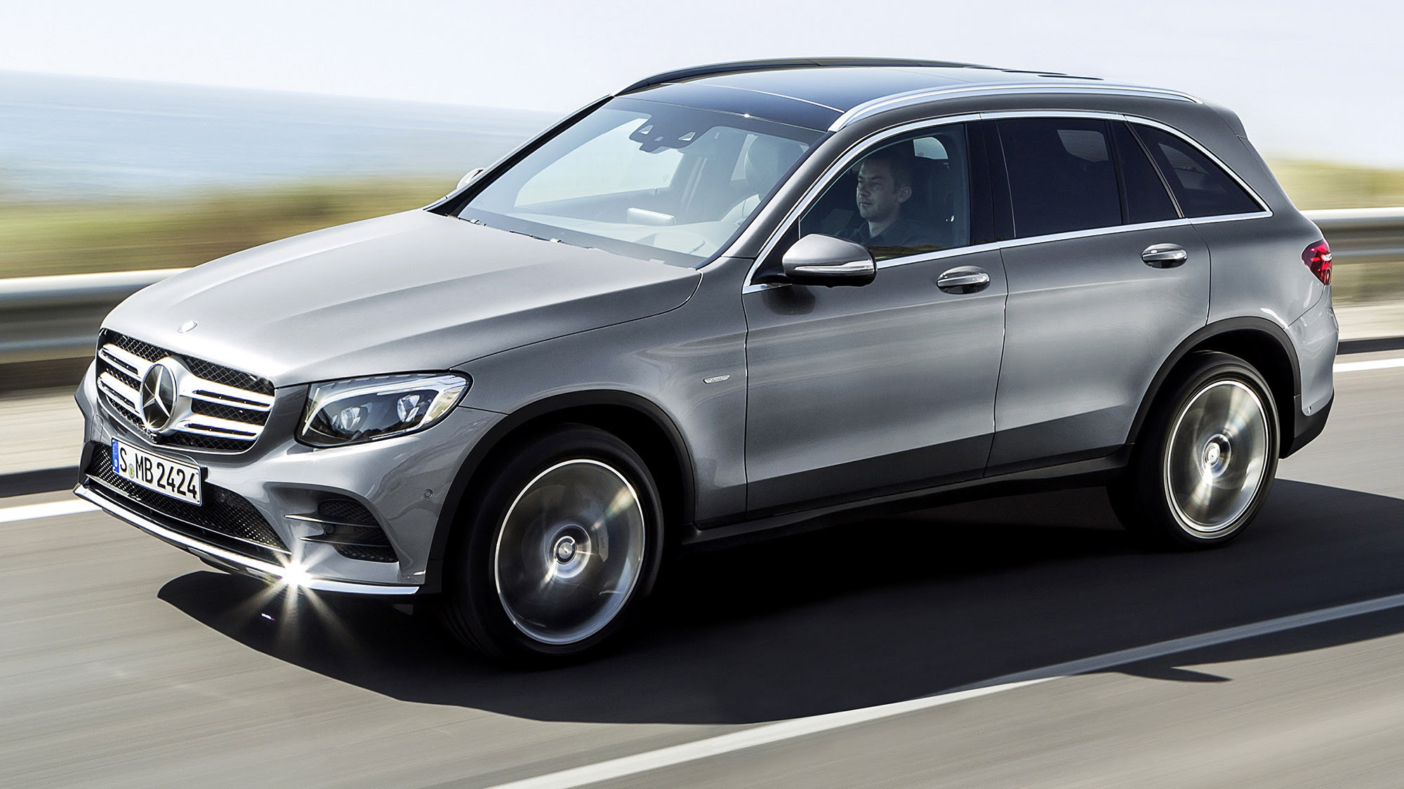 Mercedes debuts new GLC luxury SUV - LA Times