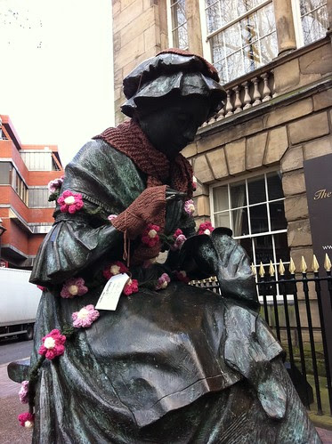yarn bombing statue