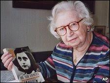 Protetora de Anne Frank completa 100 anos