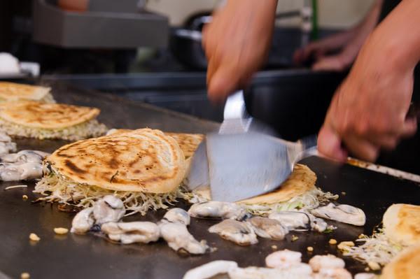 Hiroshima style okonomiyaki