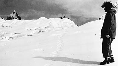 Supuestas huellas del yeti, halladas en 1951 en Menlung. |