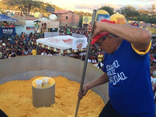 'Maior Cuscuz do Mundo' atraiu cerca de 100 mil pessoas (Foto: Franklin Portugal / TV Asa Branca)