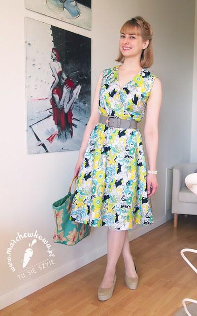marchewkowa, blog, szafiarka, szycie, krawiectwo, moda, retro, vintage, wykrój, pattern, Wrap dress, Burda Moden 3/1968, sukienka kopertowa, 60s, torebka w kwiaty, buty, koturny, Vagabond, perełki, KappAhl, pasek, H&M