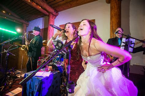 Wedding Bands and Wedding Party Dance Bands for Wedding
