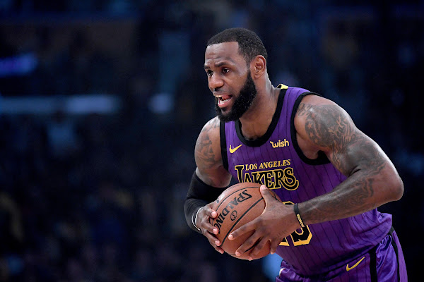 f491780e1fc Lakers pull away for Christmas win over Warriors after LeBron James exits  with groin injury