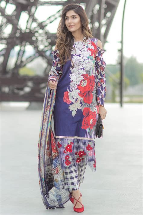 Latest Pakistani Bridal, Wedding, Casual and Party Dresses
