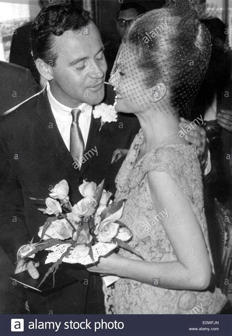 Jack Lemmon and Felicia Farr at their wedding ceremony
