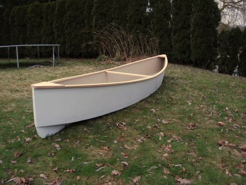 simple, cheap plywood canoe with some classic features. Click image